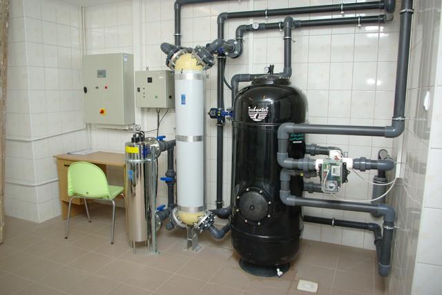 7-filtracja-basenowa-dezynfekcja-uv-szpital